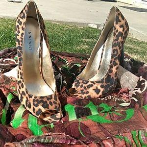 LIKE NEW!Nine West Leopard Peep Toe Heels 10